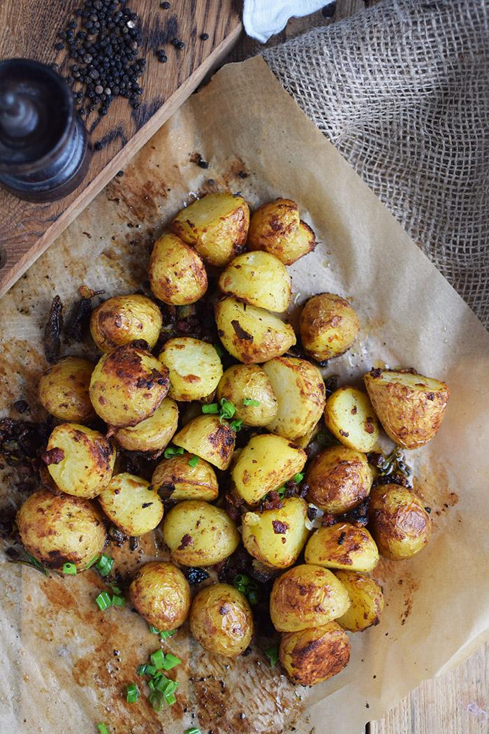 Gebackene Kartoffelhaelften mit Rosmarin - Baked Potato Skins with rosemary (11)