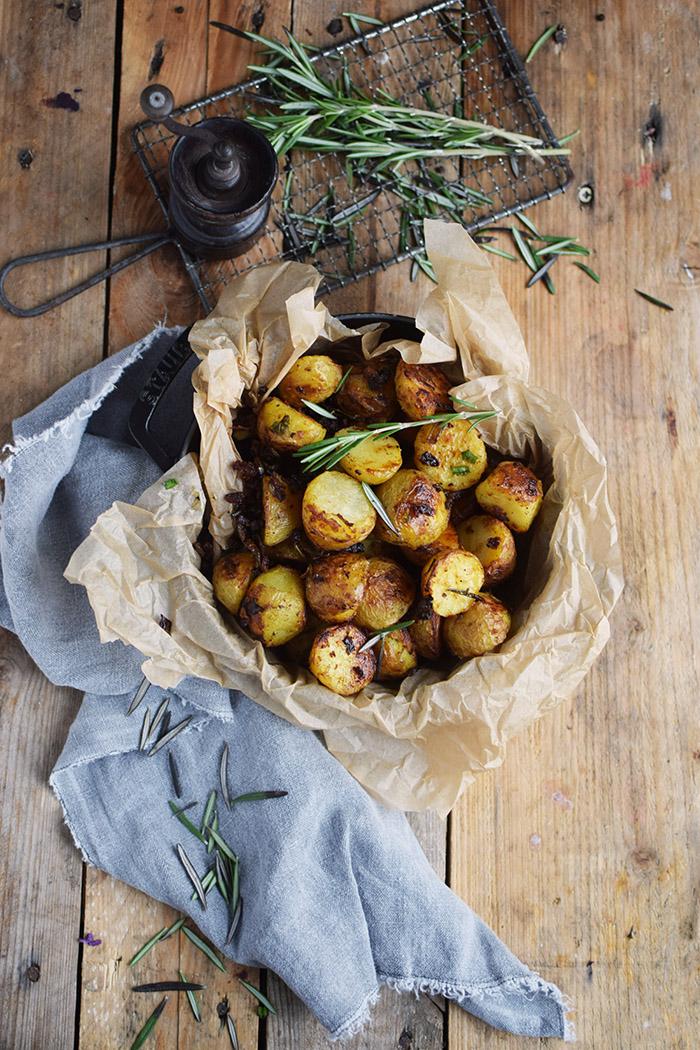 Kartoffelhälften gebacken mit Rosmarin