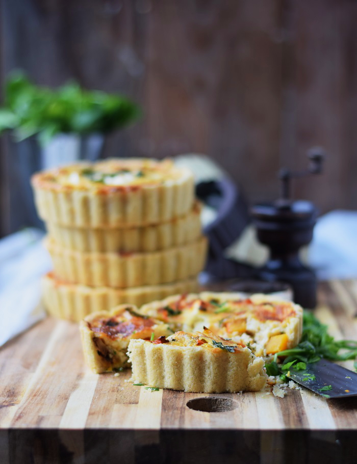Kuebis Quiche mit Paprika und Feta - Pumpkin Quiche with red pepper and fest cheese (8)