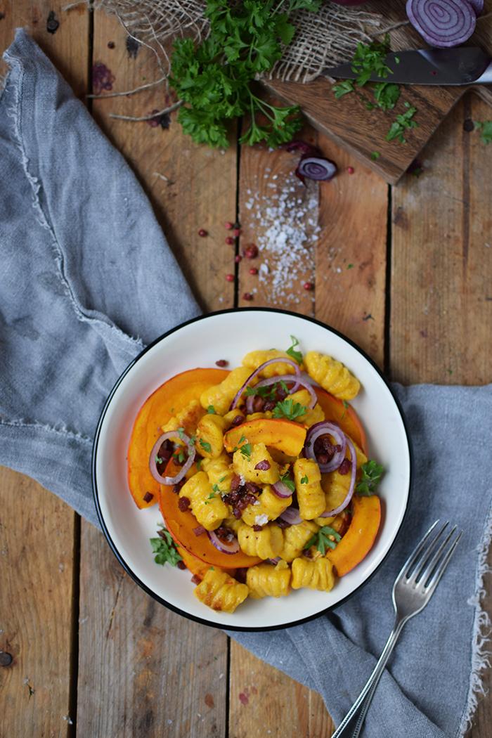 kuerbis-gnocchi-mit-kuerbis-spalten-pumpkin-gnocchi-with-roasted-pumpkin-8