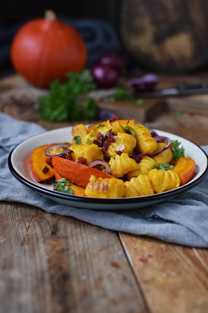 kuerbis-gnocchi-mit-kuerbis-spalten-pumpkin-gnocchi-with-roasted-pumpkin-9