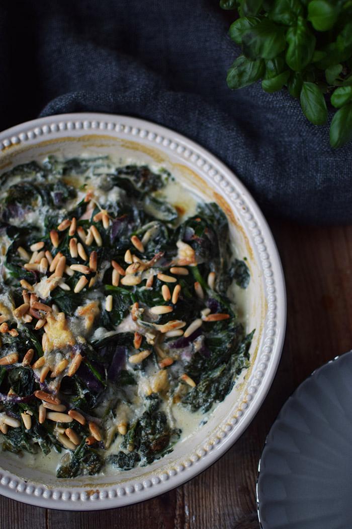 Ofenlachs mit Spinat Pinienkernen und Parmesan - One Skillet Salmon with Spinach (2)