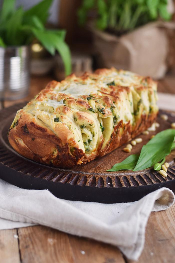 Krauter Falten Brot - Pull Apart Bread (2)