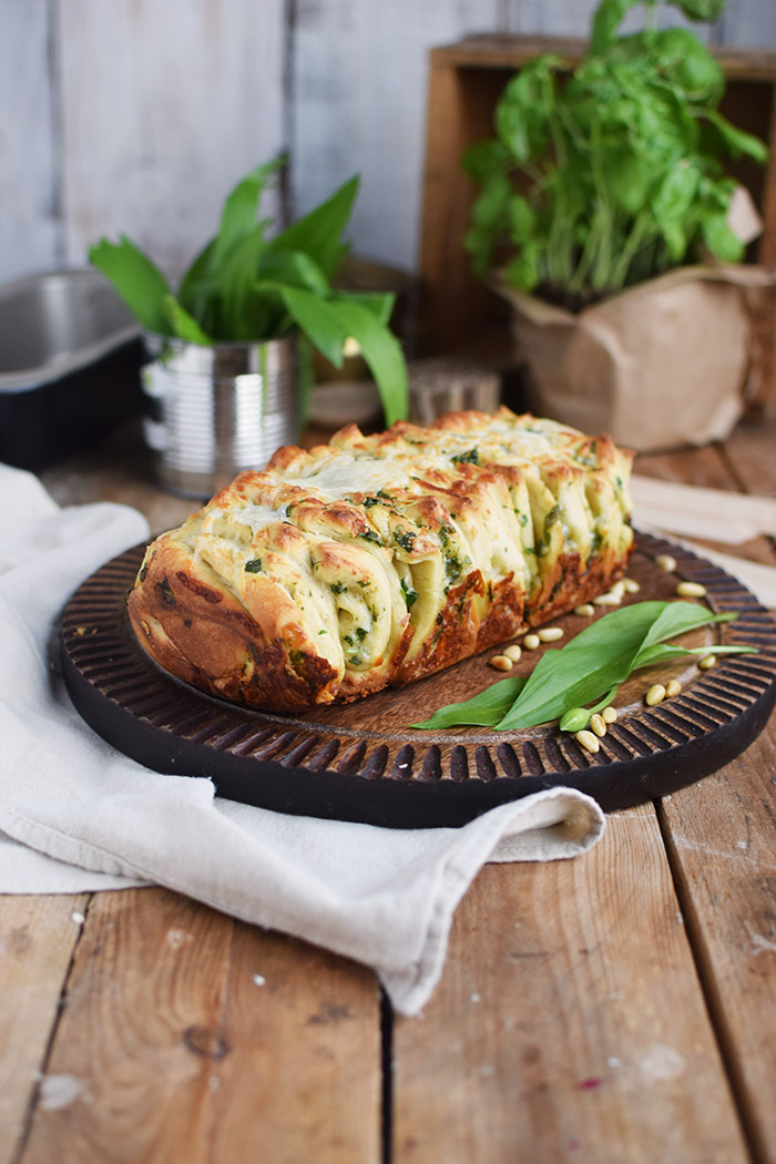 Krauter Falten Brot - Pull Apart Bread (3)