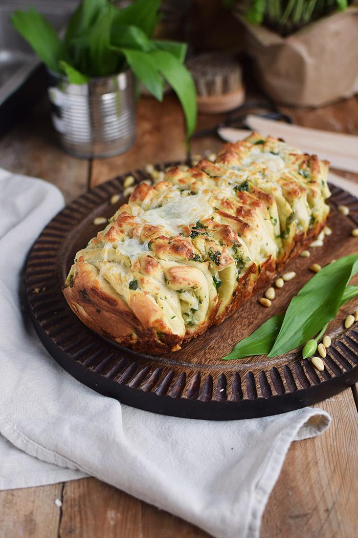 Krauter Falten Brot - Pull Apart Bread (4)