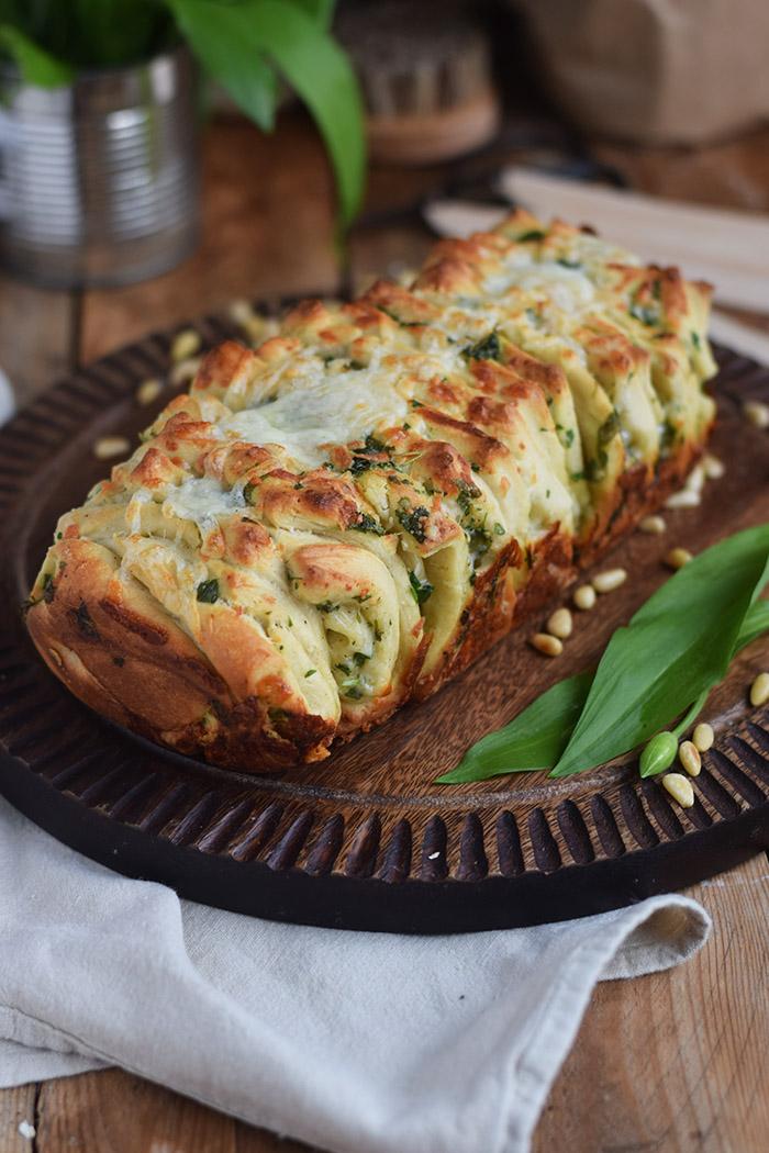 Krauter Falten Brot - Pull Apart Bread