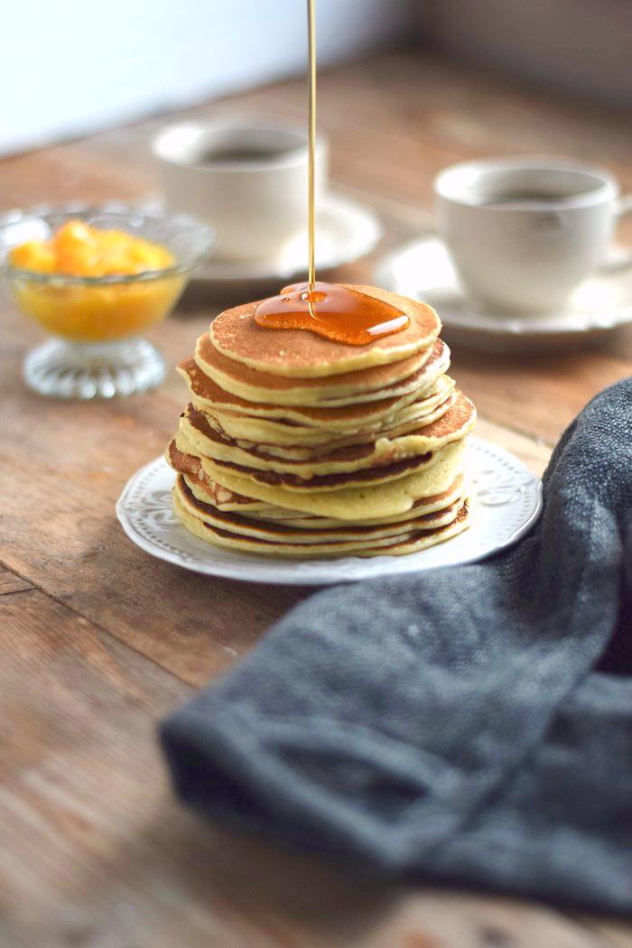 Pancake Breakfast - Pancake Frühstück - Pancakes with maple syrup (3)