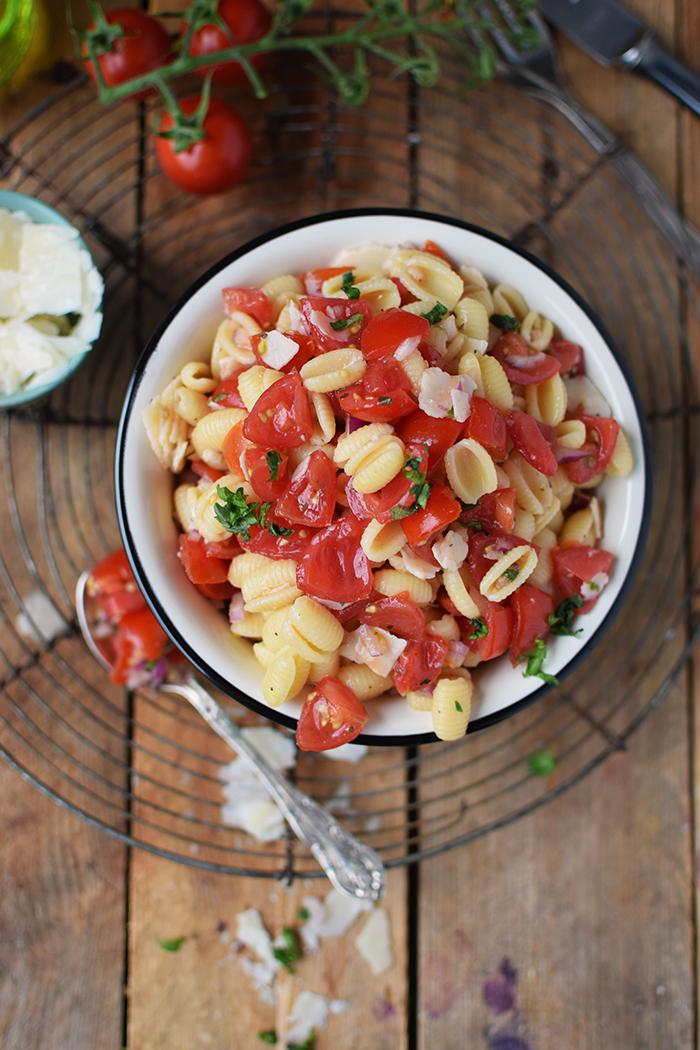 Bruschetta Pasta Salat - Bruschetta Pasta Salad (13)