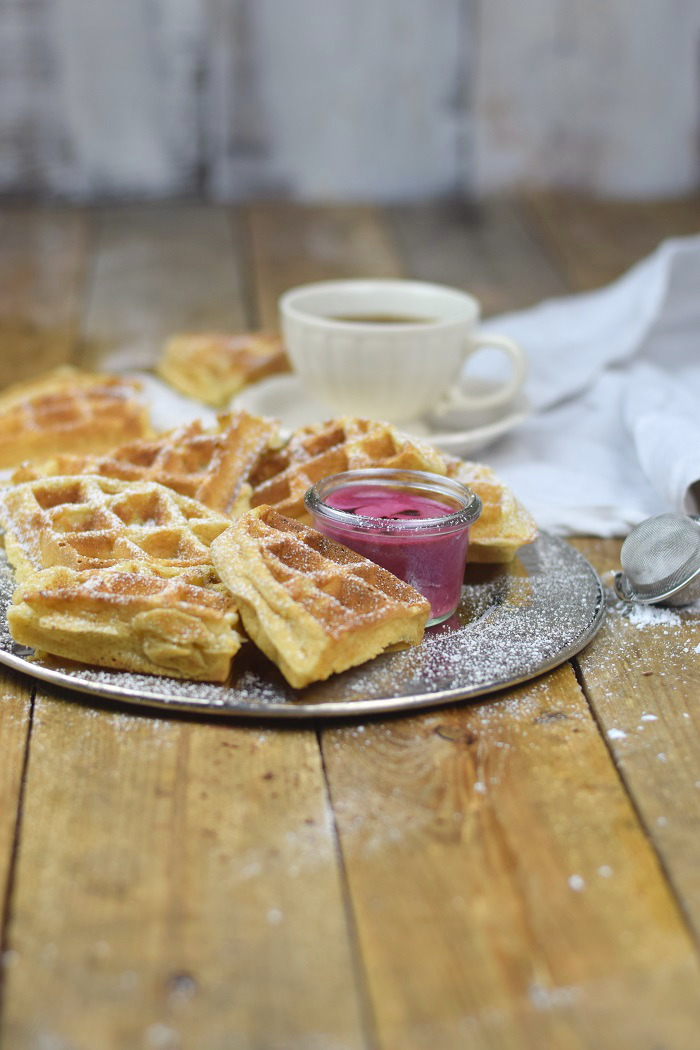 Buttermilchwaffeln - Waffles with buttermilk & Brombeer Joghurt Mousse - Berry Yogurt Mousse (2)