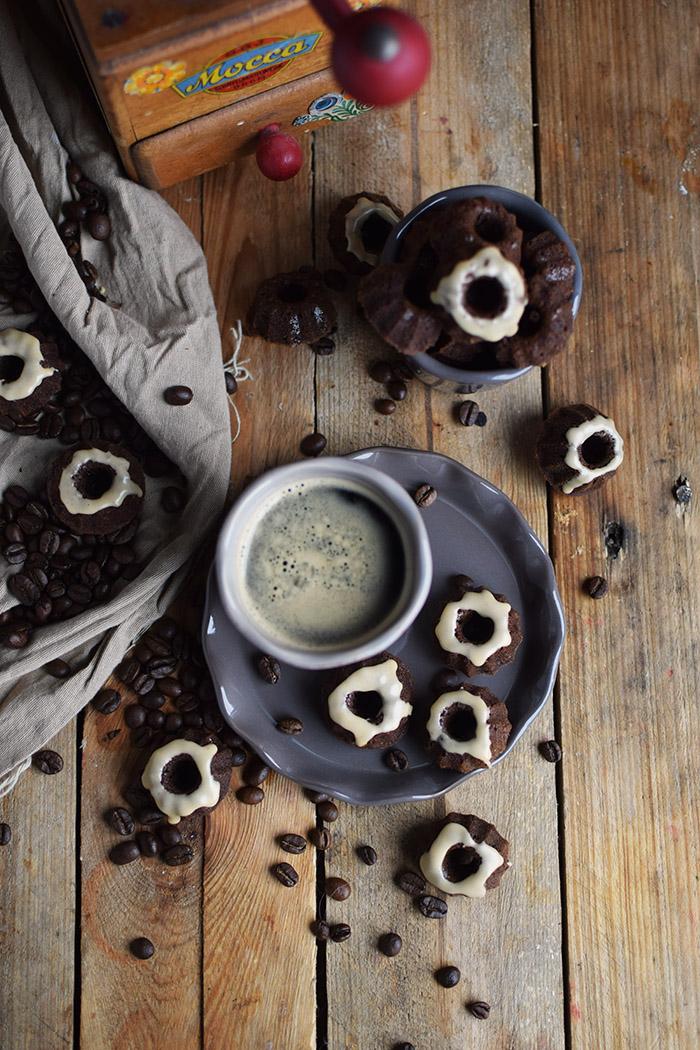Mokka Mini Gugl Mocha Mini Bundt Cakes (6)