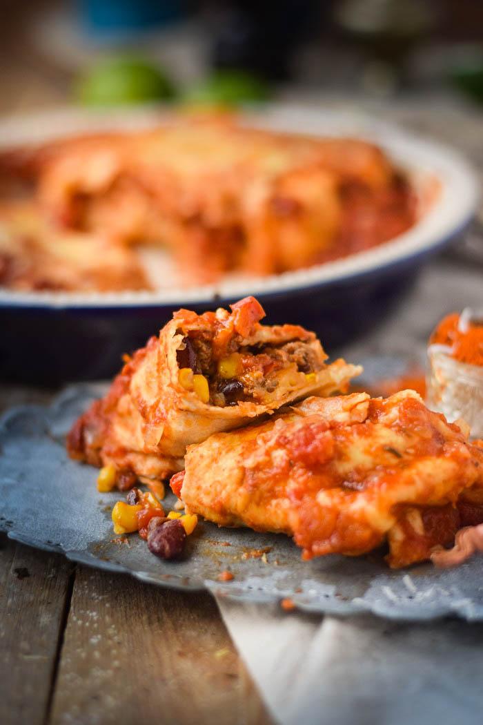 Tortillas - Enchiladas mit Chili Füllung und Käse überbacken (9)