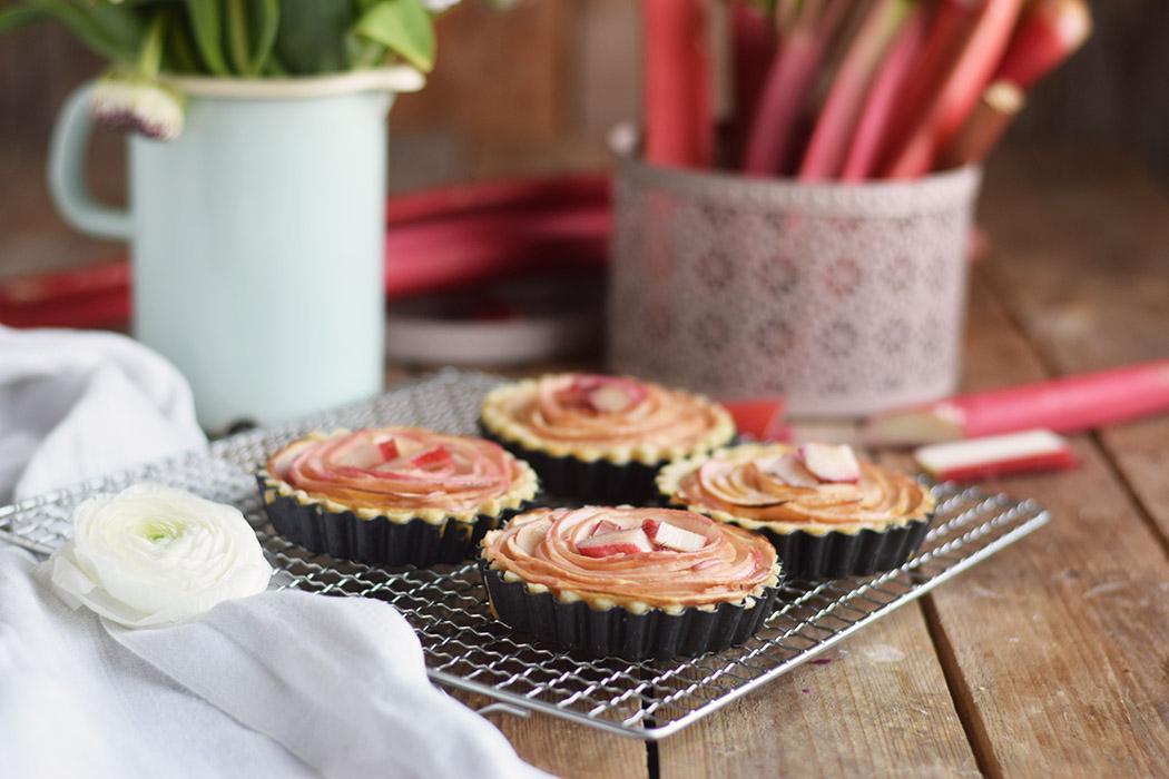 Apfel Rhabarber Rosen Tarte - Apple Rhubarb Rose Tart (15)