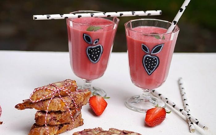 Erdbeer-Minze-Smoothie & Himbeer-Cantuccini