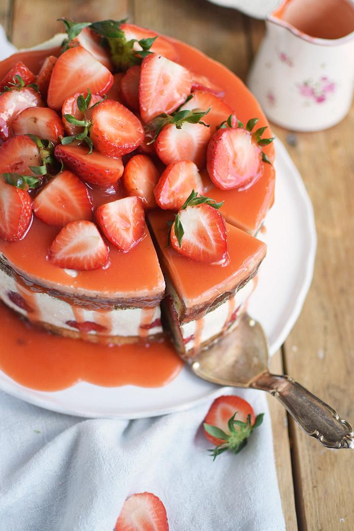 Erdbeertorte Quarktorte - Kaese Sahne Torte mit Erdbeeren - Strawberry Cake (12)