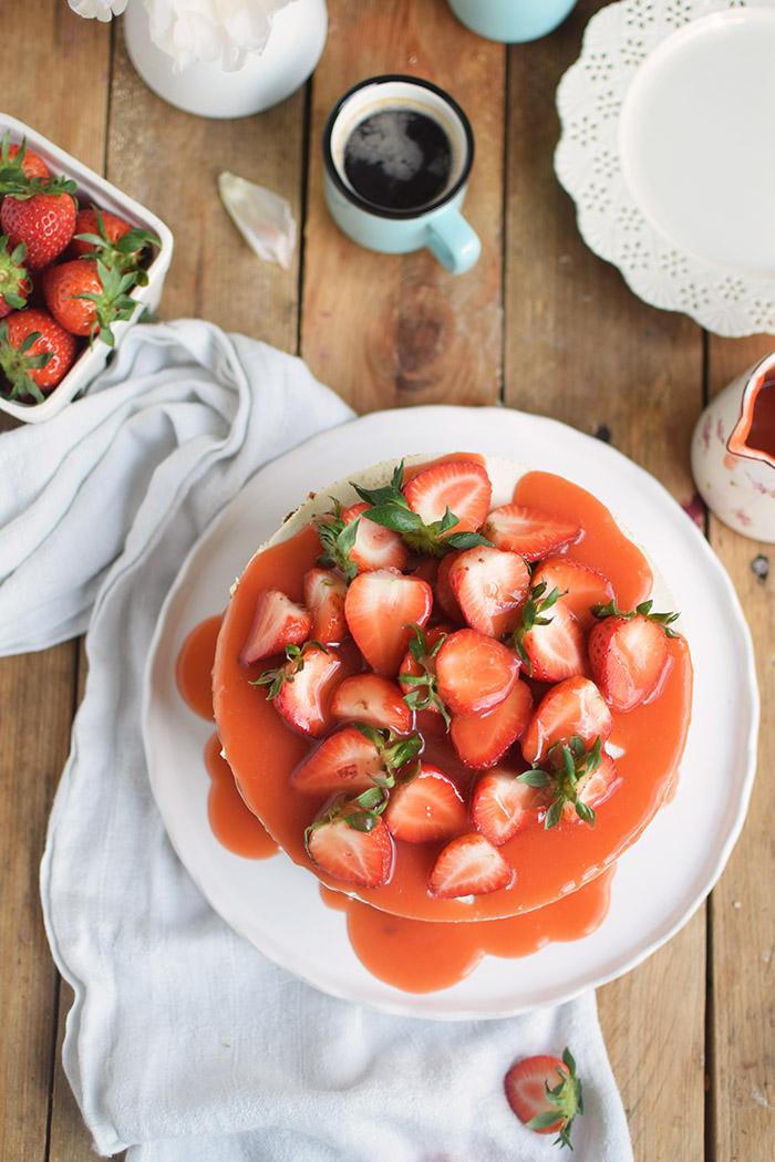 Erdbeertorte Quarktorte - Kaese Sahne Torte mit Erdbeeren - Strawberry Cake (30)