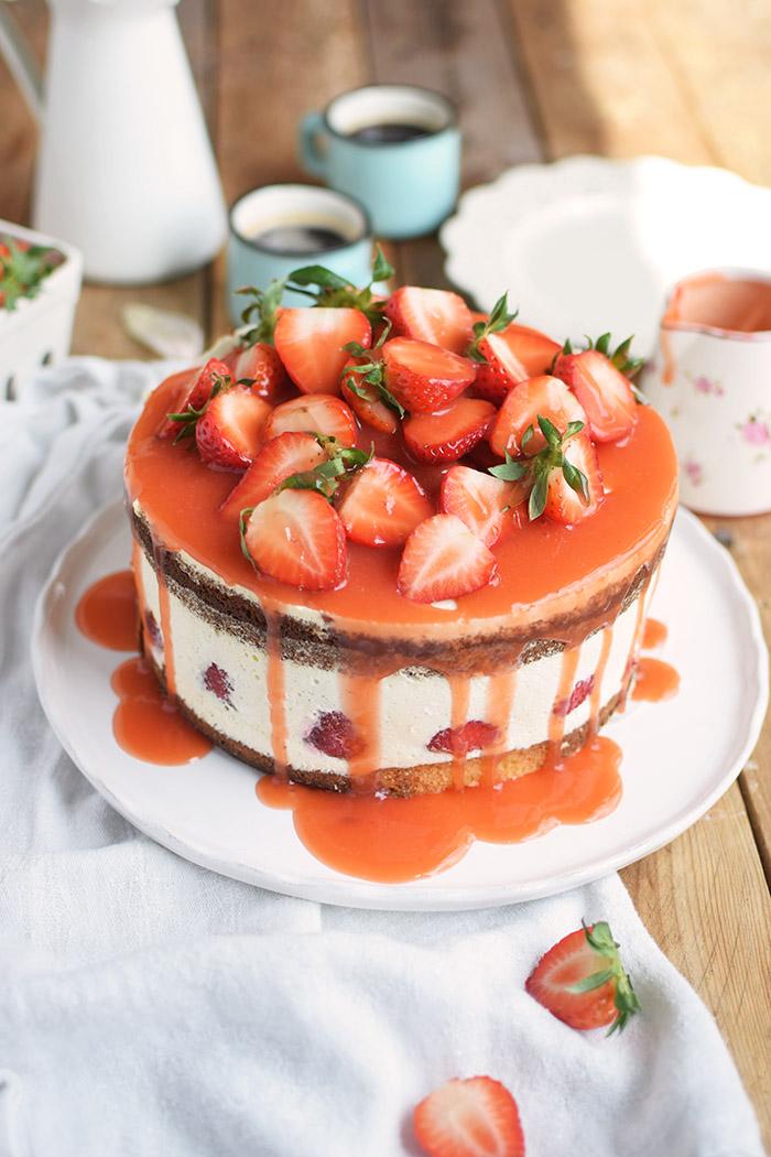 Erdbeertorte Quarktorte - Kaese Sahne Torte mit Erdbeeren - Strawberry Cake (5)