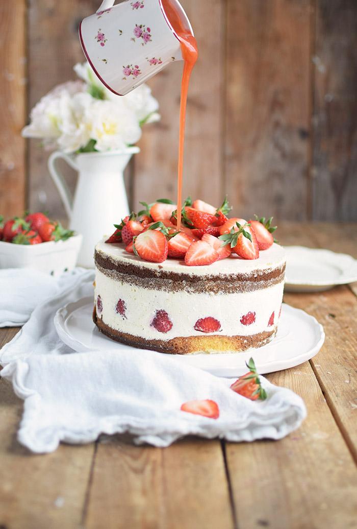 Erdbeertorte Quarktorte - Kaese Sahne Torte mit Erdbeeren - Strawberry Cake (7)
