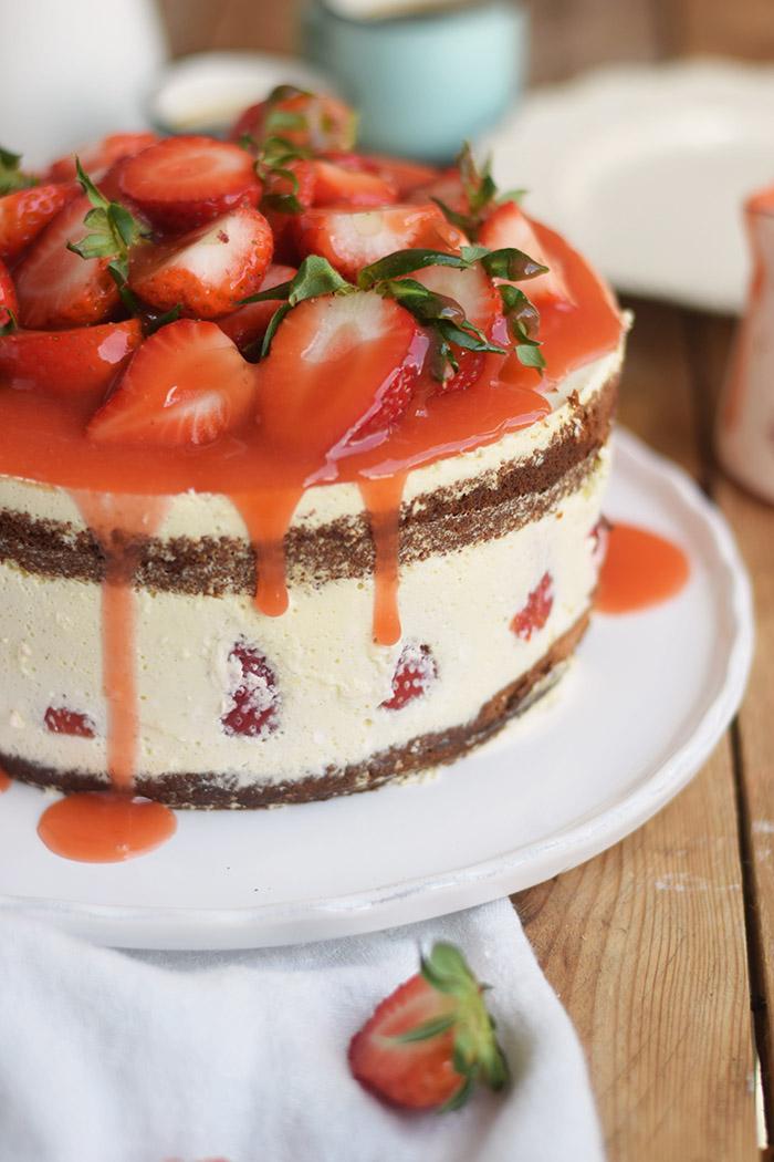 Erdbeertorte Quarktorte - Kaese Sahne Torte mit Erdbeeren - Strawberry Cake (8)