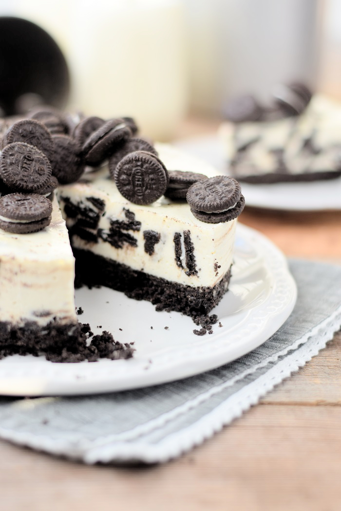 Oreo No Bake Cheesecake 17