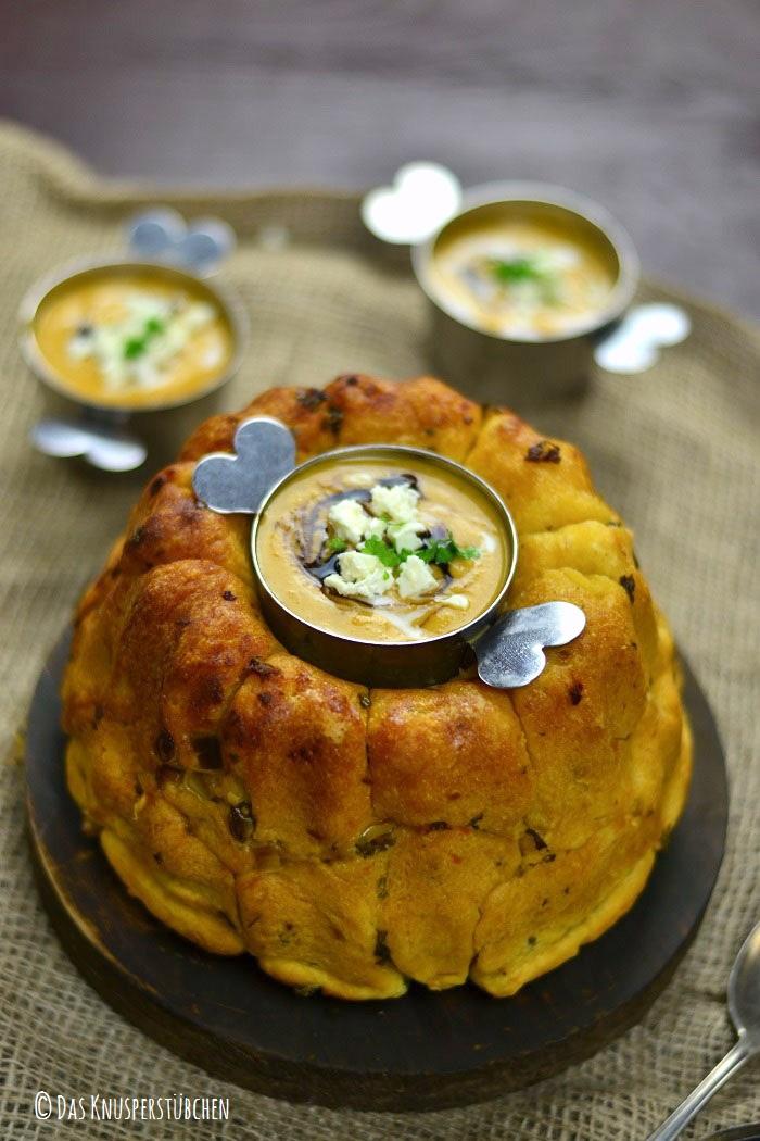 Monkey Bread mit Knoblauch Kräuterbutter und Feta 3-1