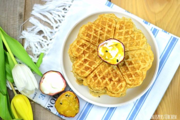 Haferflocken Kokos Waffeln mit Maracuja Mango Joghurt 5-1