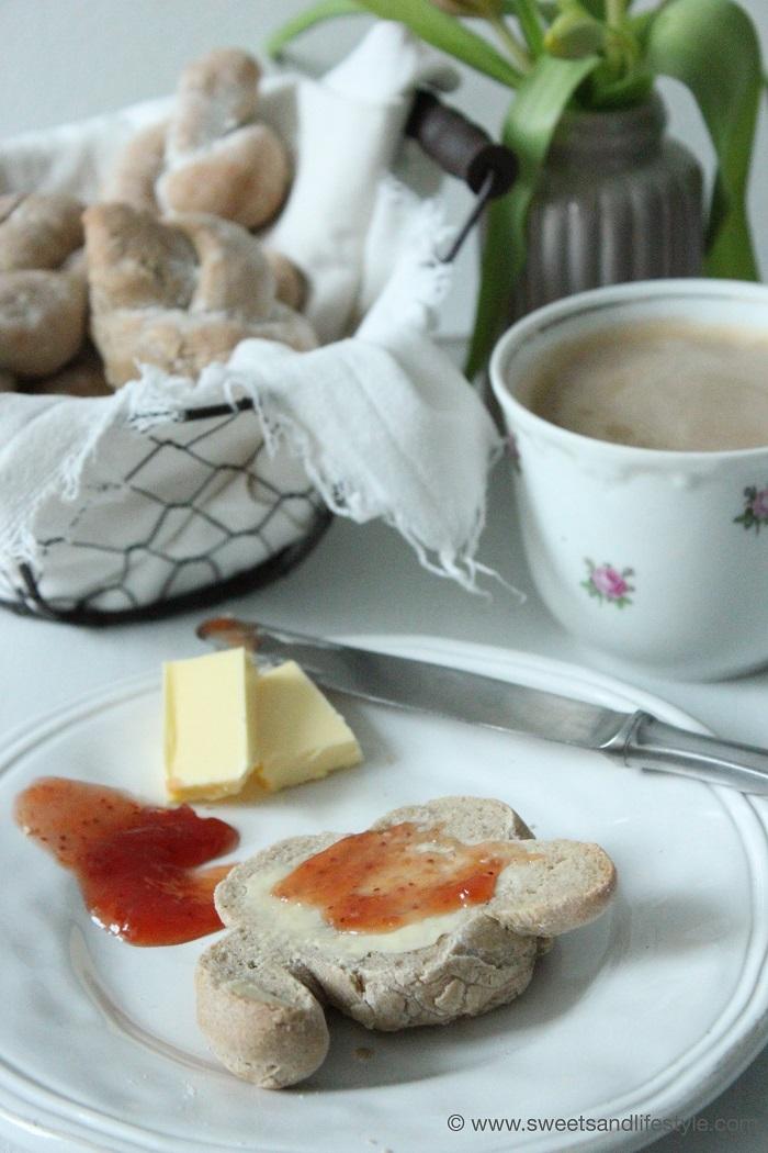 Roggen Broetchen Frühstück 3