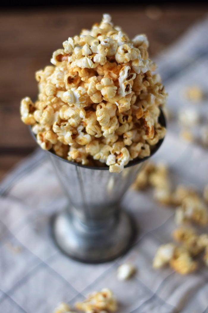 Knuspriges Karamell Popcorn