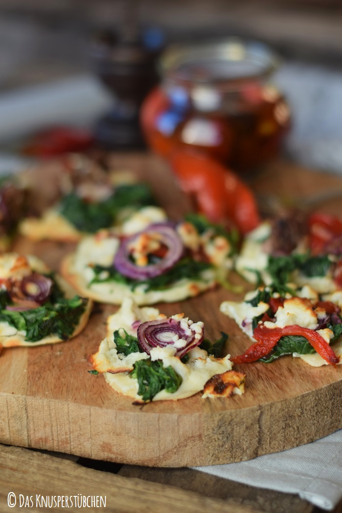 Mini Flammkuchen mit roast pepper spinat 15