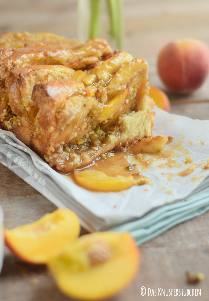 Peach Almond Brittle Pull Apart Caramel Bread 27
