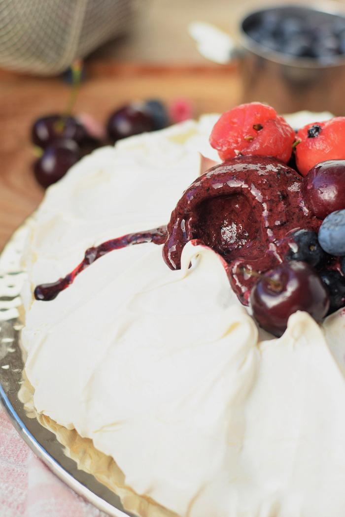 Pavlova mit Frozen Joghurt 7
