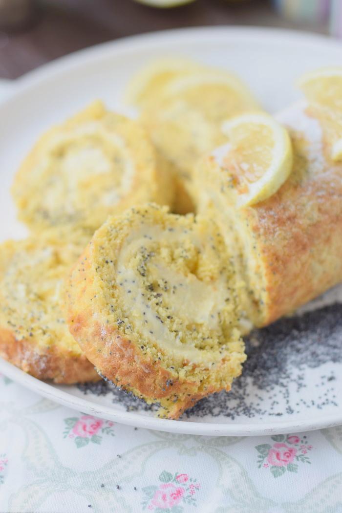 Zitronen Rolle Lemon Poppy Seed Roulade 15