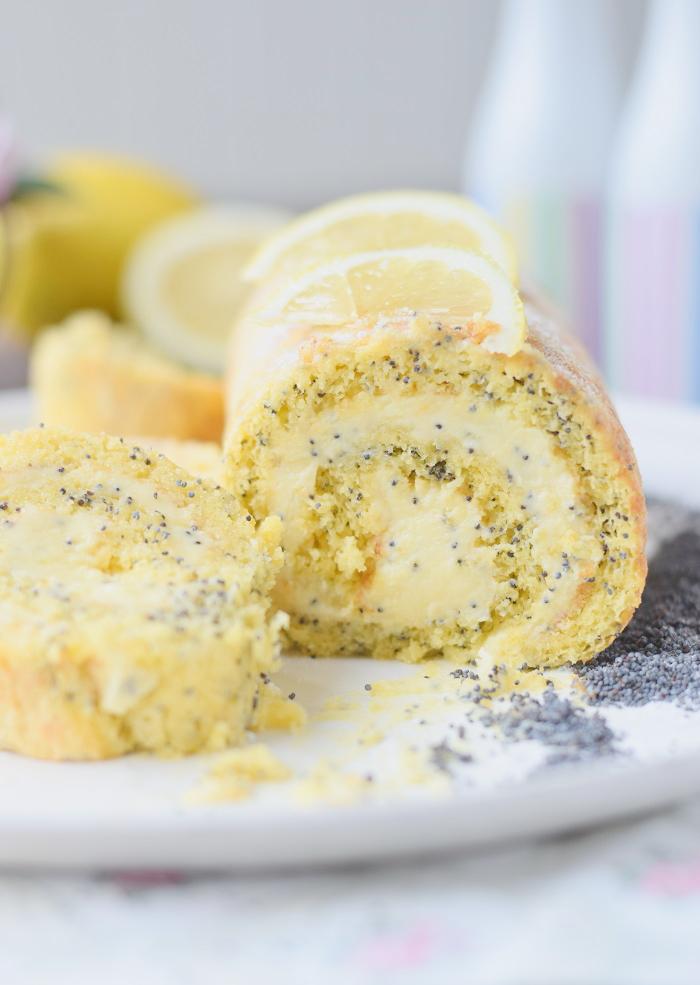 Zitronen Rolle Lemon Poppy Seed Roulade 21