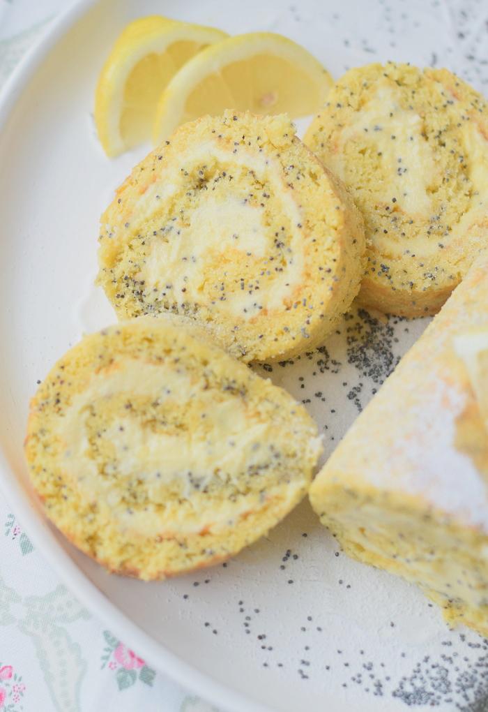 Zitronen Rolle Lemon Poppy Seed Roulade 8