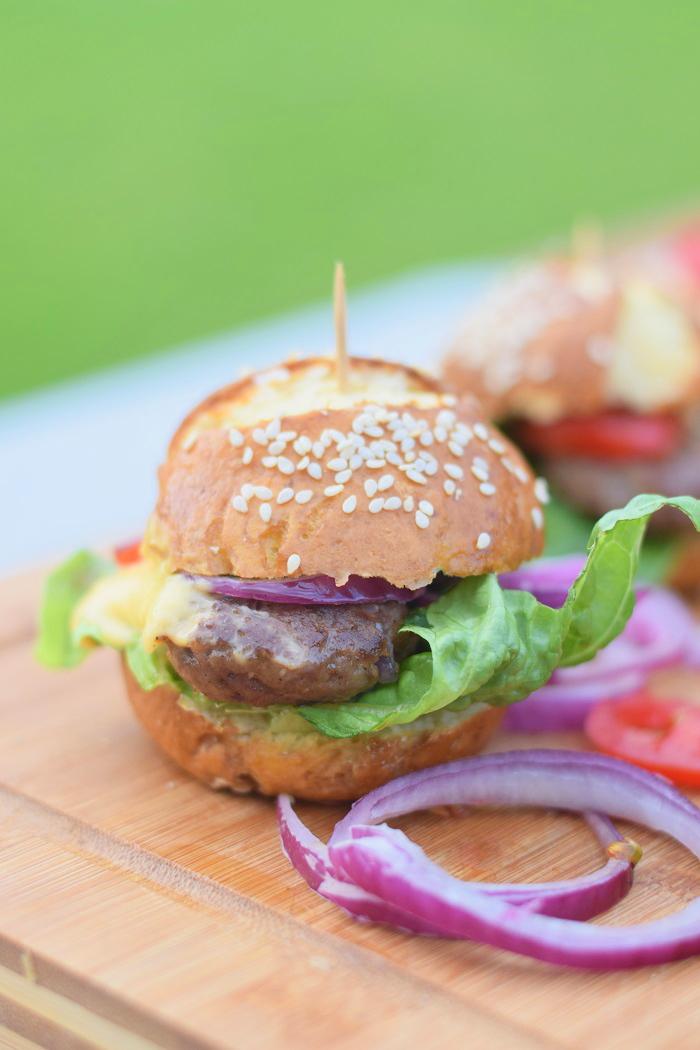 Brezel Burger mit Feta 12