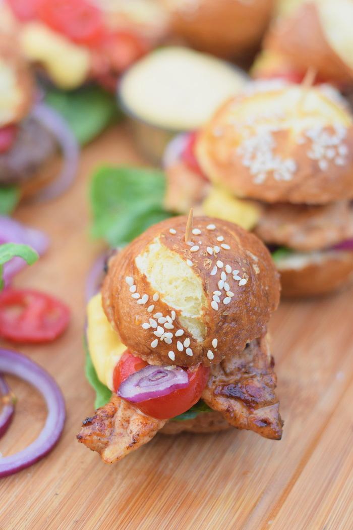 Brezel Burger mit Feta 13