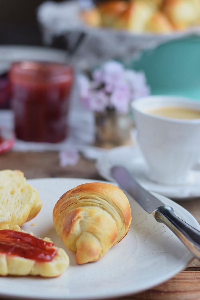 Joghurt Hörnchen mit Pflaumen Vanille Marmelade (15)