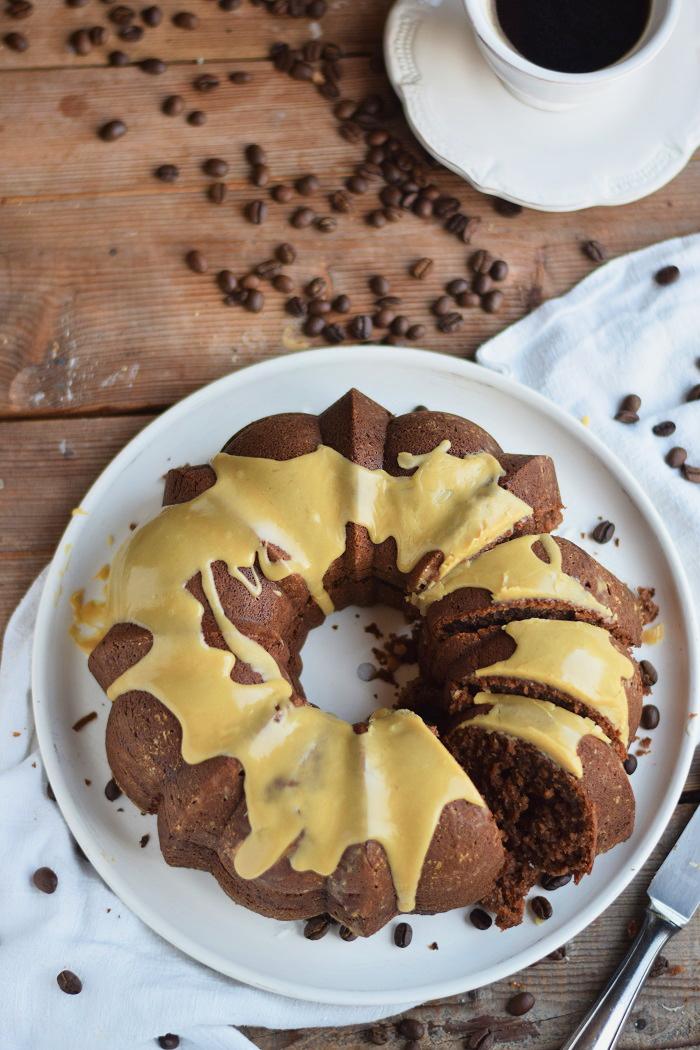 Mokka Kuchen mit weißer Schokolade Espresso Guss (12)