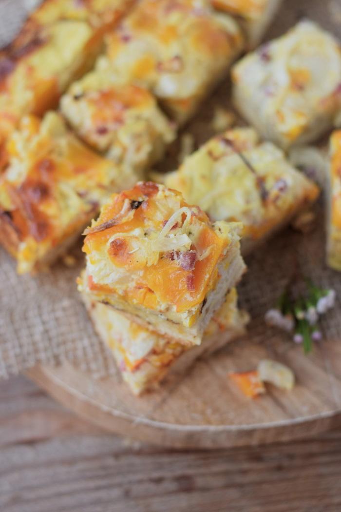 Zwiebelkuchen mit Kürbis - Onion Cake with pumpkin #food #dinnertime #dinner #herbst #fall (7)