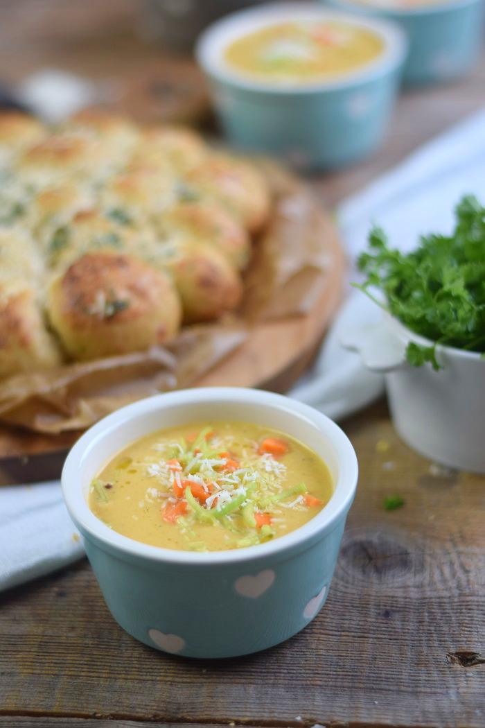Parmesan Lauch Broetchensonne und Ofenmoehren Lauch Parmesan Suppe (12)