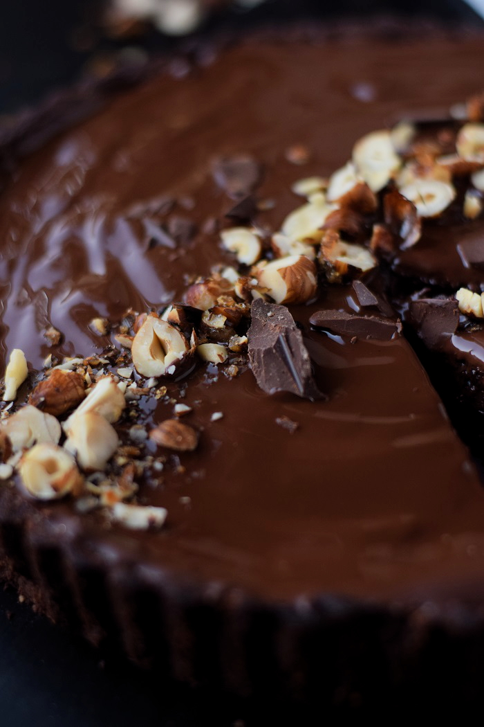 Schokoladen Haselnuss Tarte - Chocolate Hazelnut Tart #chocoholics #schokolade #chocolate (12)
