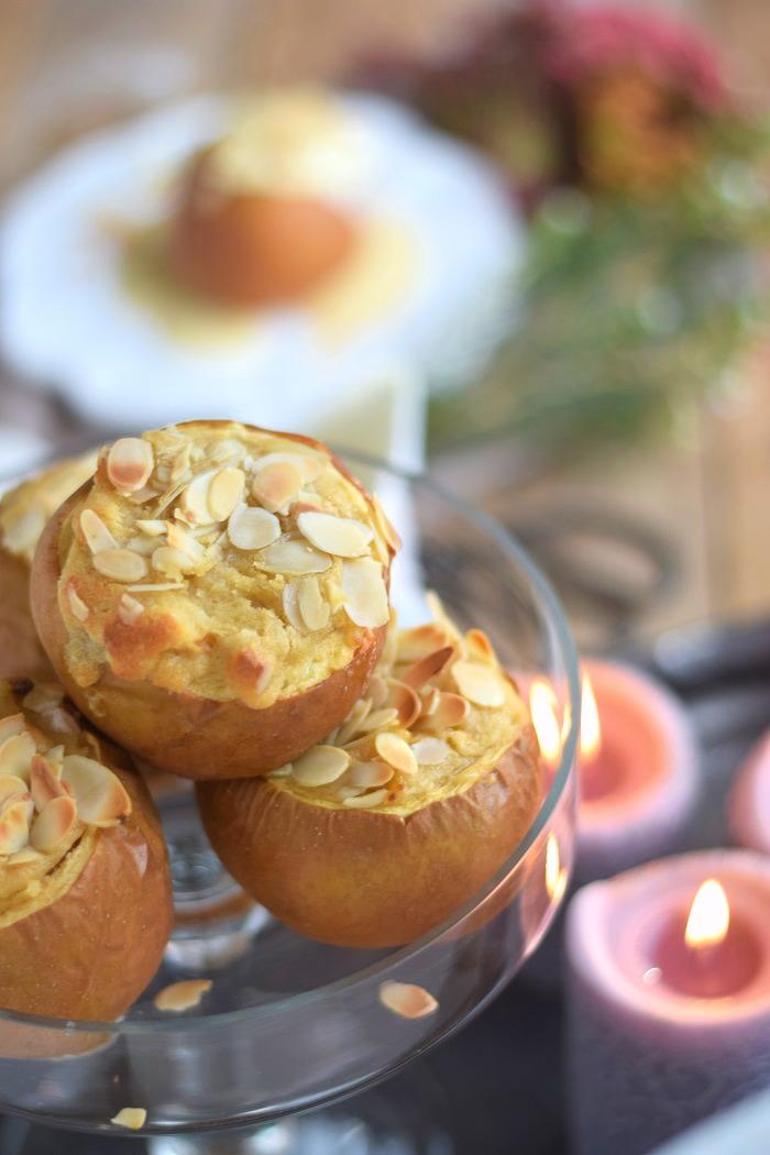 Bratapfel mit Marzipan Füllung und Marzipan Sauce - Baked Apple (16)