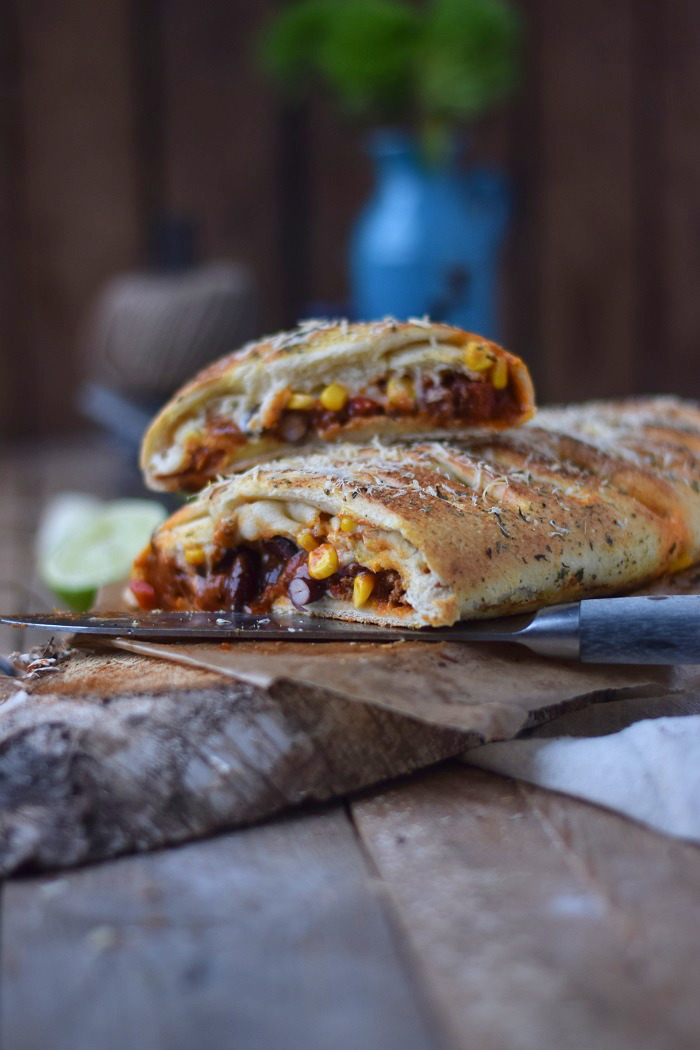 Enchilada Stromboli mit Chili con Carne (21)
