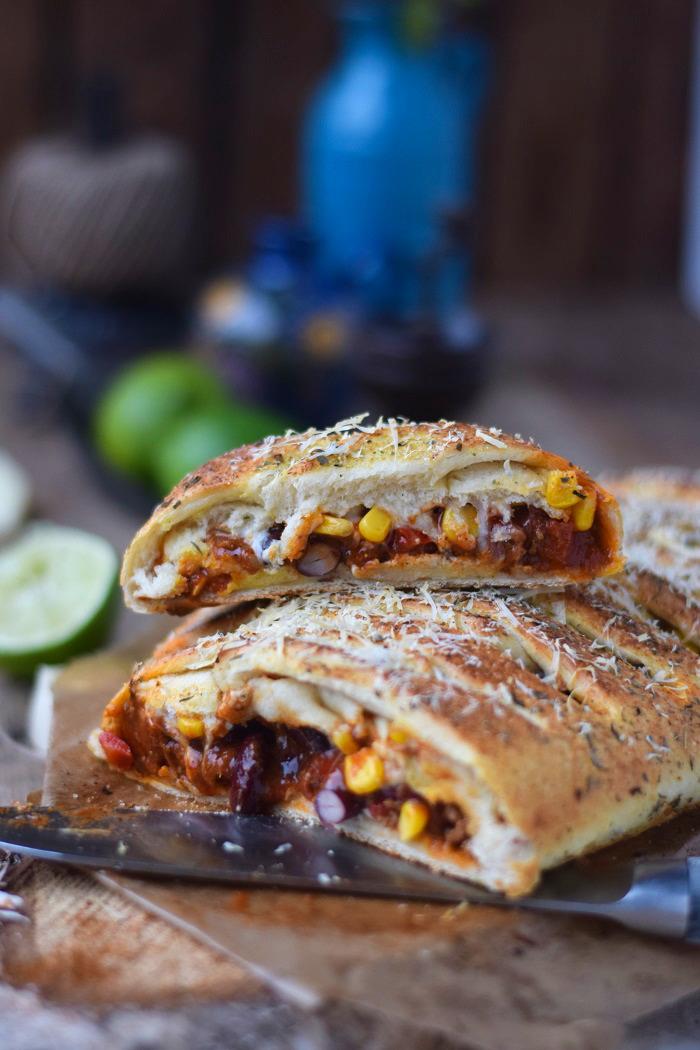 Enchilada Stromboli mit Chili con Carne (7)