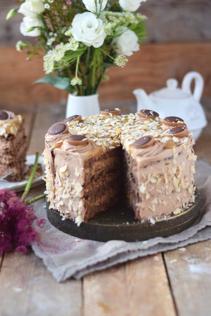 Karamell Nougat Haselnuss Toffifee Torte - Caramel Hazelnut Chocolate Cake (18)