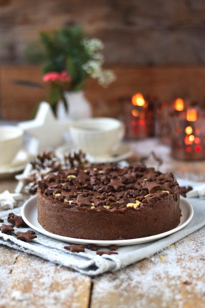 Winterlicher Weihnachtlicher Zupfkuchen mit Sternen (1)