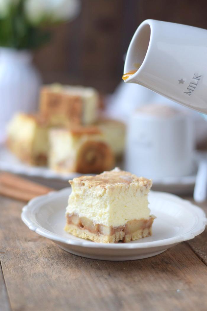 Zimtschnecken Cheesecake - Cinnamon Roll Cheesecake #cinnamonroll #cheesecake #zimtschnecken (10)