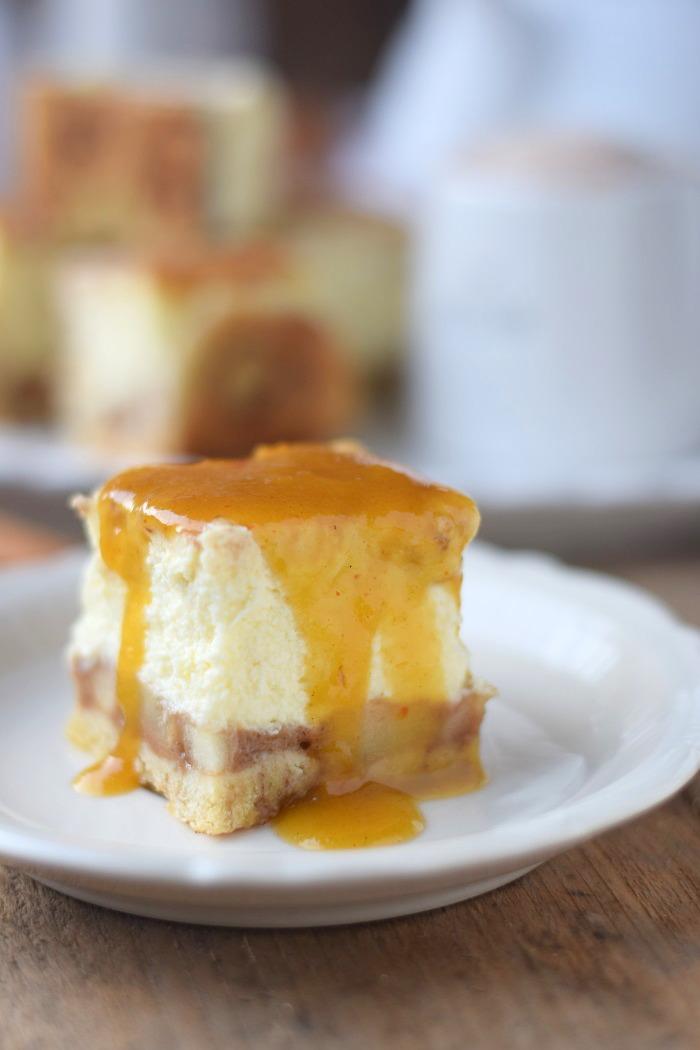 Zimtschnecken Cheesecake - Cinnamon Roll Cheesecake #cinnamonroll #cheesecake #zimtschnecken (12)