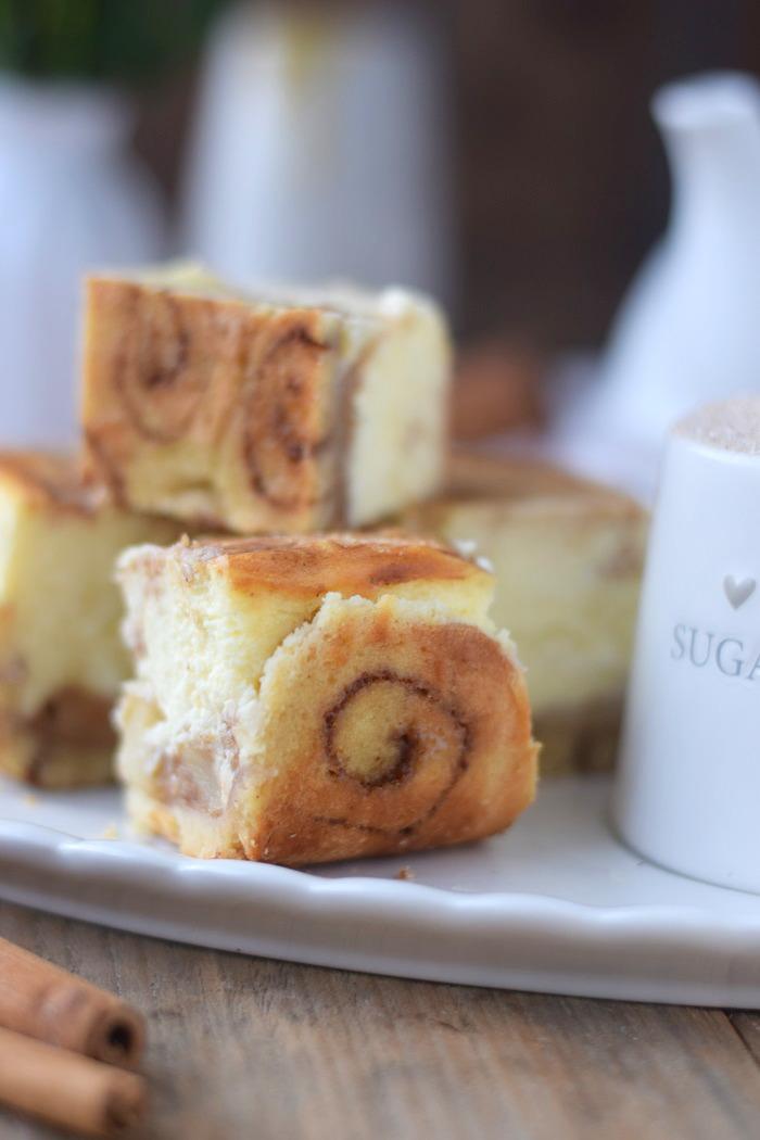 Zimtschnecken Cheesecake - Cinnamon Roll Cheesecake #cinnamonroll #cheesecake #zimtschnecken (14)