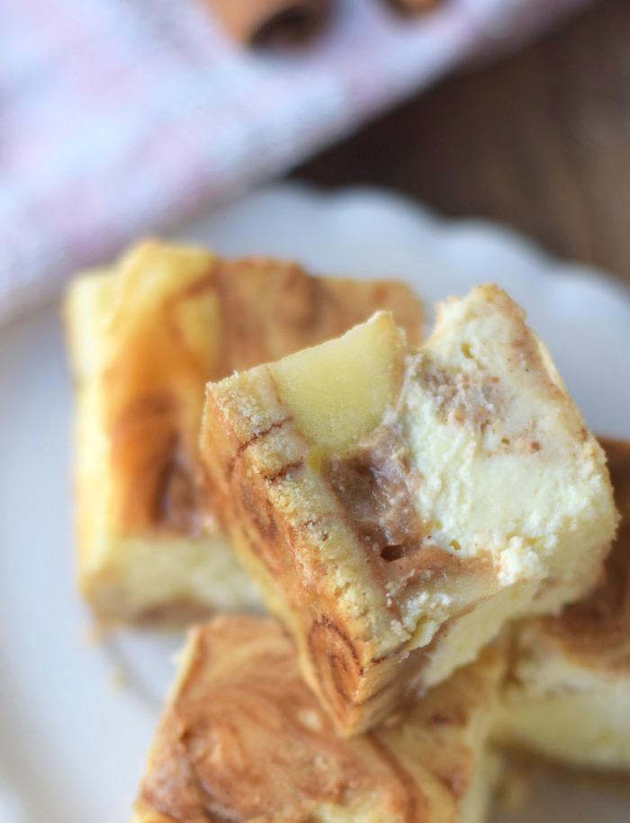 Zimtschnecken Cheesecake - Cinnamon Roll Cheesecake #cinnamonroll #cheesecake #zimtschnecken (18)