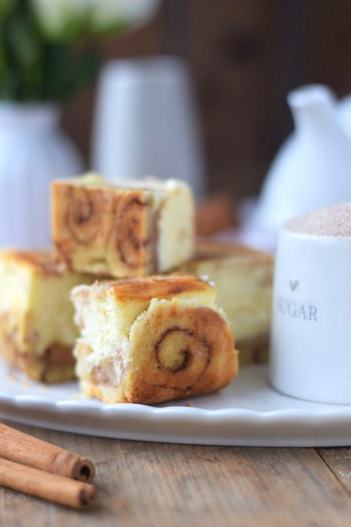 Zimtschnecken Cheesecake - Cinnamon Roll Cheesecake #cinnamonroll #cheesecake #zimtschnecken (6)